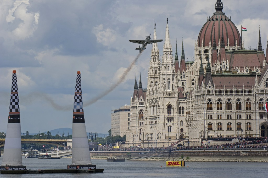 red-bull-air-race-budapest.jpg